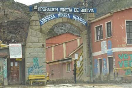 Resultado de imagen de cuatro ladrones de minerales en la mina Huanuni de Oruro