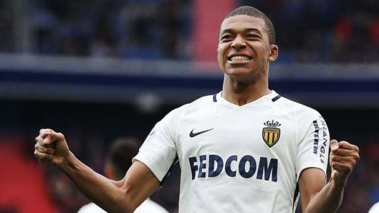 Mbappé fue cedido al Paris Saint Germain pero tiene una opción de compra obligatoria de 180 millones de euros (AFP)