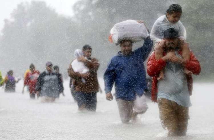 Miles de personas permanecen evacuadas (REUTERS)