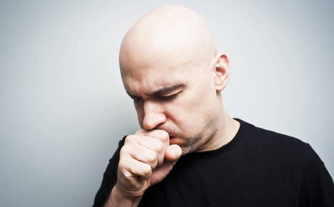 ¿Cuánto llevas tosiendo? (iStock)