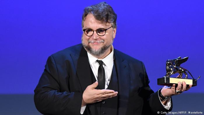 Italien Venedig Film Festival Biennale Goldener Löwe Regie Guillermo Del Toro (Getty Images/AFP/F. Monteforte)
