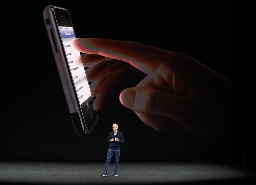 Tim Cook, CEO de Apple, presenta el nuevo iPhone 8.