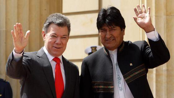 El presidente de Colombia, Juan Manuel Santos, recibe a su homólogo boliviano, Evo Morales.