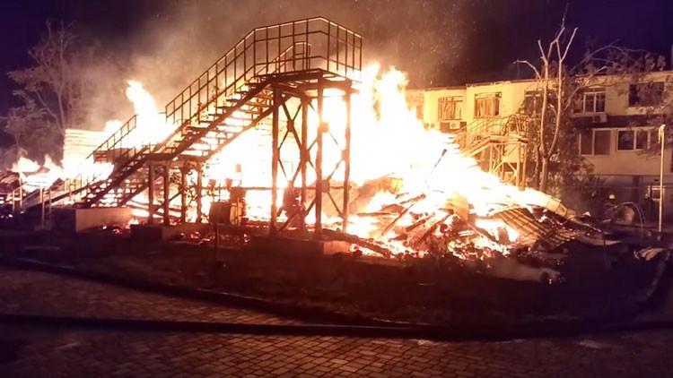 Un incendio en un campamento infantil de Ucrania deja al menos tres niños muertos (VIDEOS)