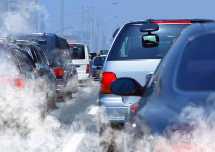 """Los científicos recuerdan que """"alrededor de 425.000 muertes prematuras anuales se asocian con los niveles actuales de contaminación atmosférica"""" en la citada región (la UE, Noruega y Suiza)."""