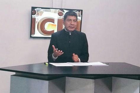 El canciller boliviano, Fernando Huanacuni, en conferencia de prensa.