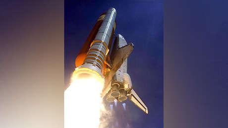 Transbordador espacial Discovery despega del Centro Espacial Kennedy, Florida, EE.UU., 4 de julio de 2006