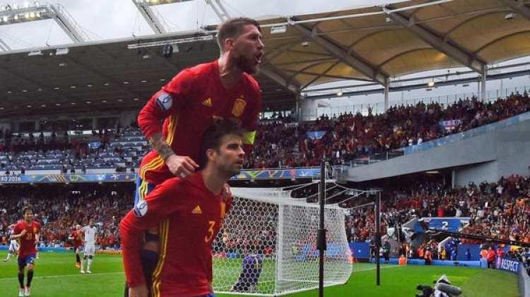 Ramos y Piqué salieron campeones con España del Mundial de Sudáfrica 2010 (Getty Images)