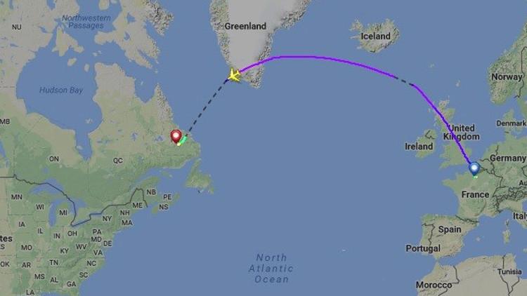 Un avión de Air France aterriza de emergencia en Canadá con un motor estropeado (FOTOS)