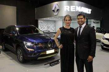 Mónica Argandoña, Brand Manager Renault Bolivia y Alvaro Retamozo