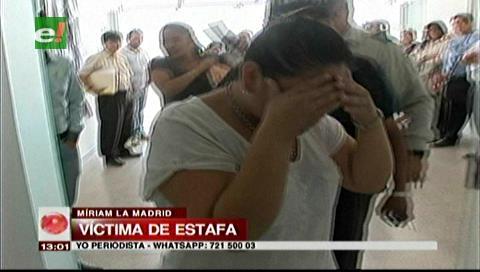 Mujer es detenida por estafa, existen al menos ocho víctimas