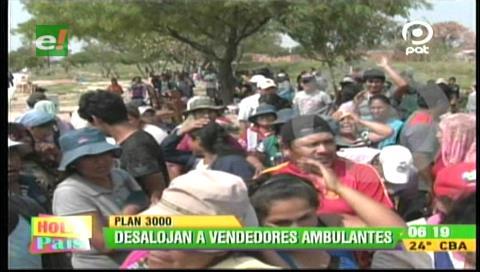 Alcaldía cruceña desalojó a comerciantes ambulantes del Plan Tres Mil