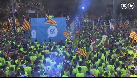 El independentismo llena las calles de Barcelona en la Diada más dividida