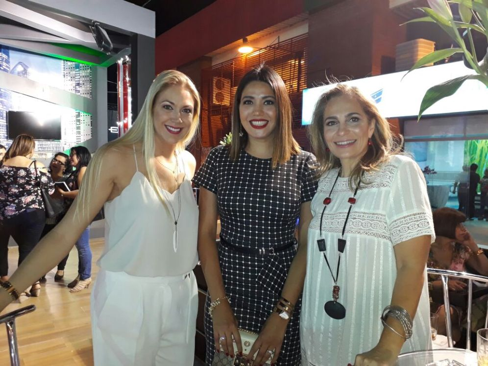 Juana Cavana, Nuvia Montenegro y Claudia Aguilera