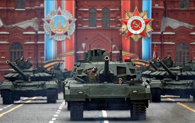 Pese al auge beligerante de Moscú, todavía está a años luz de EEUU. (Reuters)
