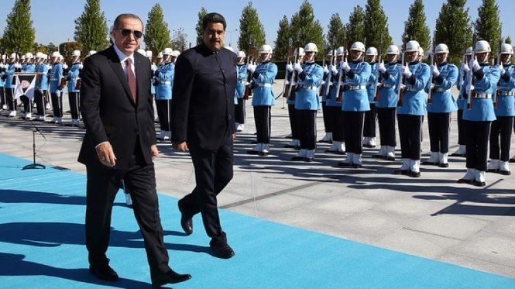 Nicolas Maduro fue recibido por Recep Tayyip Erdogan en Ankara (AP)