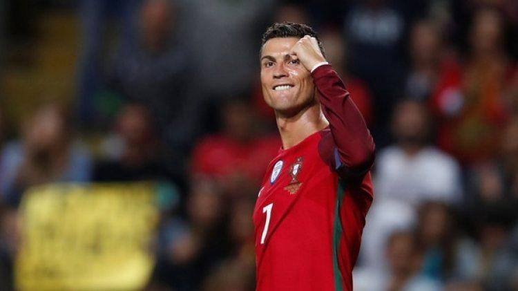 Cristiano podría jugar el repechaje (Reuters)