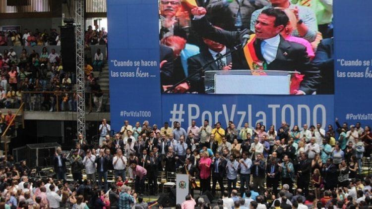 """Carpiles advirtió que el acto de hoy no fue un adiós """"sino un hasta luego"""" (Pablo Villarreal)"""