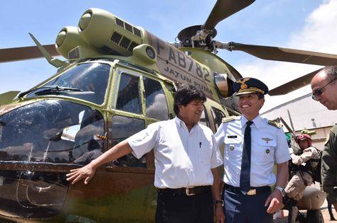 El presidente Morales entrega a la FAB un helicóptero Súper Puma. Fotografía referencial.