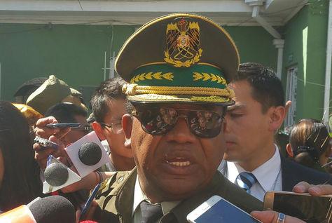 El comandante General de la Policía, general Abel de la Barra, en declaraciones a los medios. Foto: La Razón