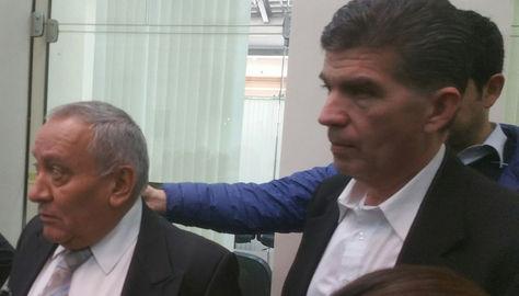 El diputado Miguel Ojopi del MNR (der). Foto: La Razón