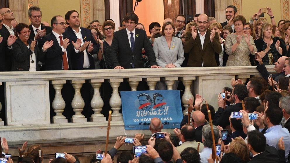 El Parlament proclama el inicio del proceso constituyente de la república catalana