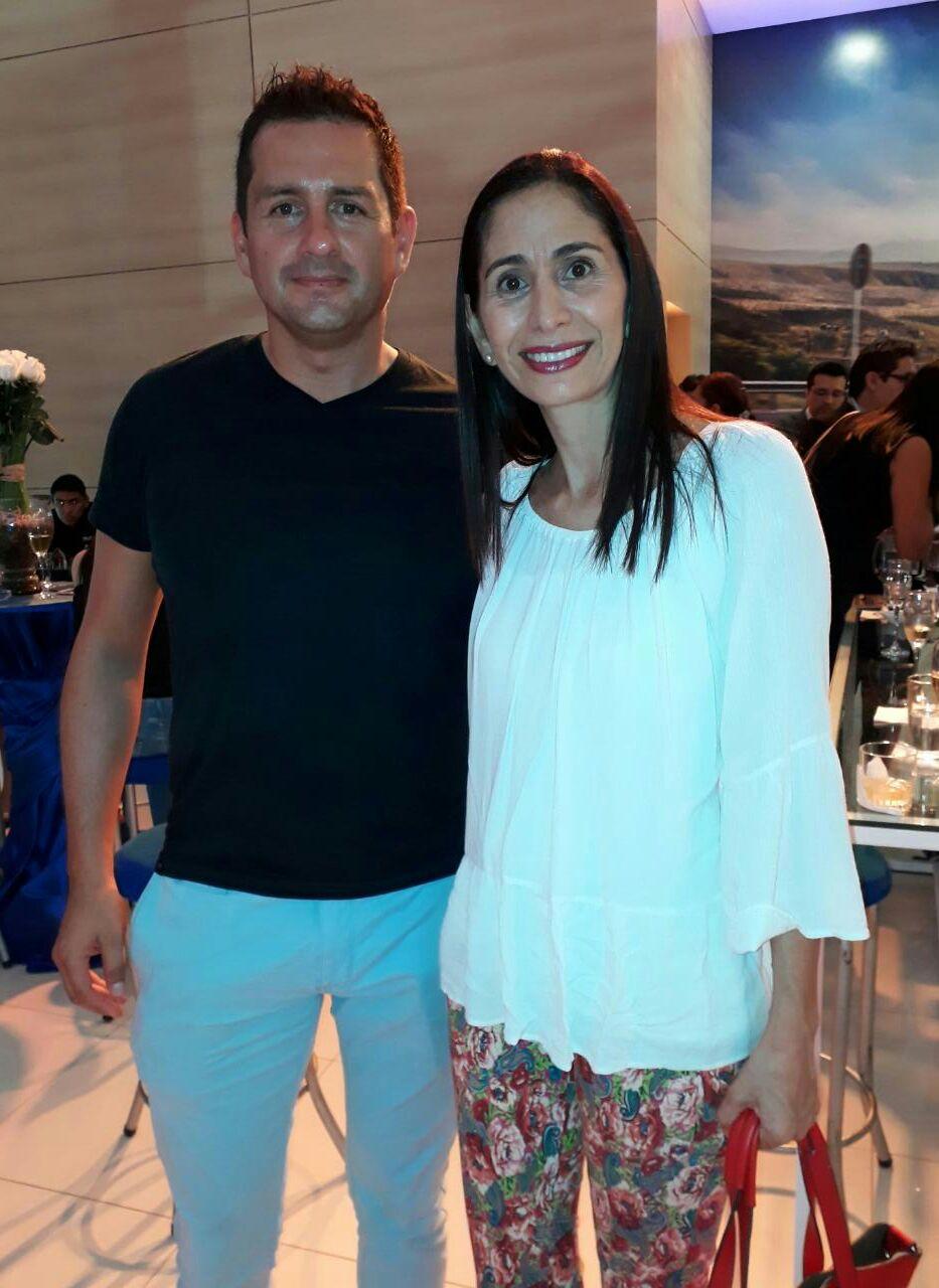 José Alfredo Leon y Leyla