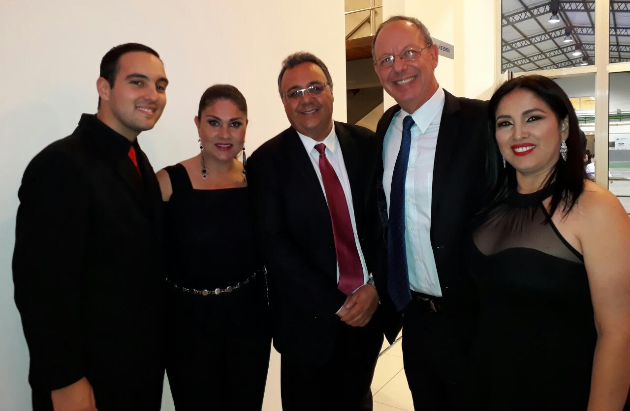 Diego Cuellar, Saritha Paz, Ramiro Lazcano, Hanz Von Riegen y Karina Vaca