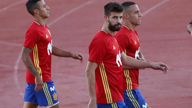 Piqué recibió insultos por parte de la afición española
