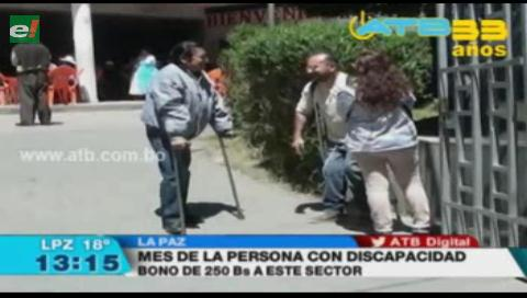 Las personas con discapacidad esperan el pago del bono de Bs 250