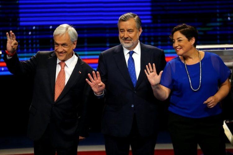 El gran favorito Sebatián Piñera junto conAlejandro Guilliery Beatriz Sanchez, sus rivales mejor posicionados en las encuestas (REUTERS/Ivan Alvarado)