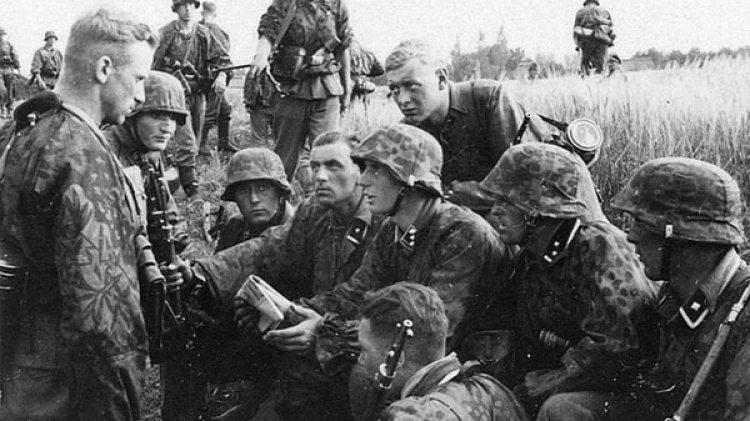 Cuando los miembros de las Fuerzas Armadas alemanas recibían 24 meses de instrucción, los soldados de la SS al servicio de Hitler contaban con solo 16 meses de formación