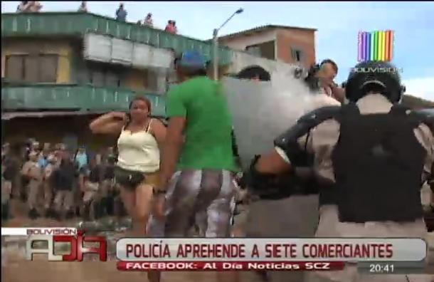 Policía aprehende a siete comerciantes