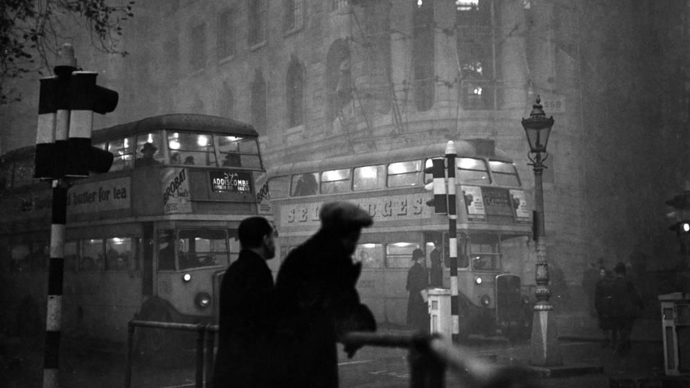 Foto: Fotografía de Londres por la noche tomada en noviembre de 1949. (Cordon Press)