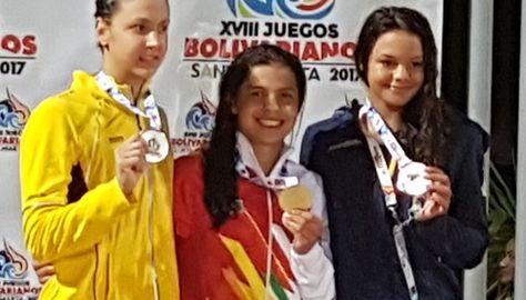 La nadadora boliviana Karen Torrez en el Podio.