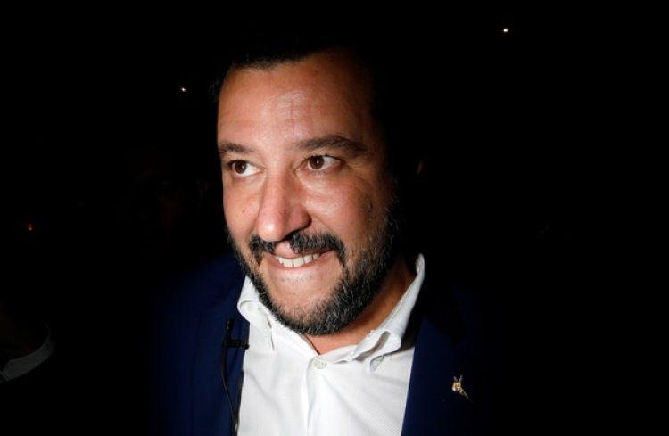 Matteo Salvini durante un acto electoral en Sicilia (REUTERS/Antonio Parrinello)