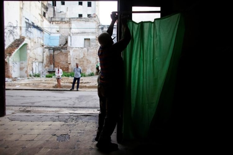 Un centro de votación en La Habana (REUTERS/Alexandre Meneghini)