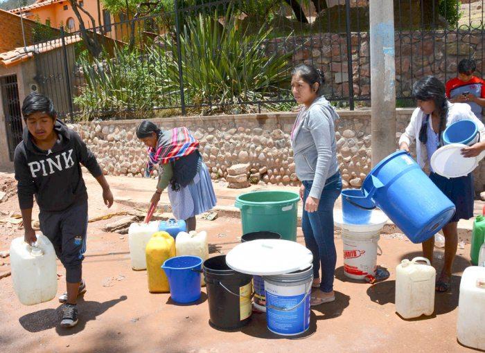La población sucrense vive una escasez de agua en gran parte de la ciudad, las autoridades este jueves darán a conocer un plan de contingencia.