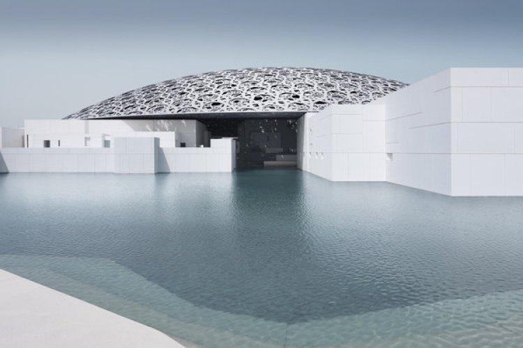El exterior del nuevo museo Louvre-Abu Dhabi museum. (Mohamed Somji/Louvre Abu Dhabi/The Washington Post)