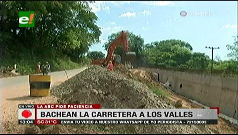 ABC bachea la carretera antigua a los valles cruceños debido a su mal estado