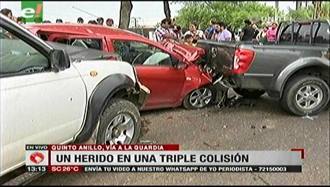 Un vehículo impactó contra una camioneta