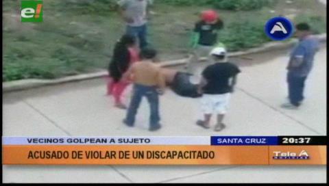 Montero: Vecinos golpean a sujeto acusado de abusar a un discapacitado