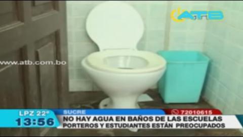 Colegios de Sucre no pueden limpiar sus baños por la falta de agua