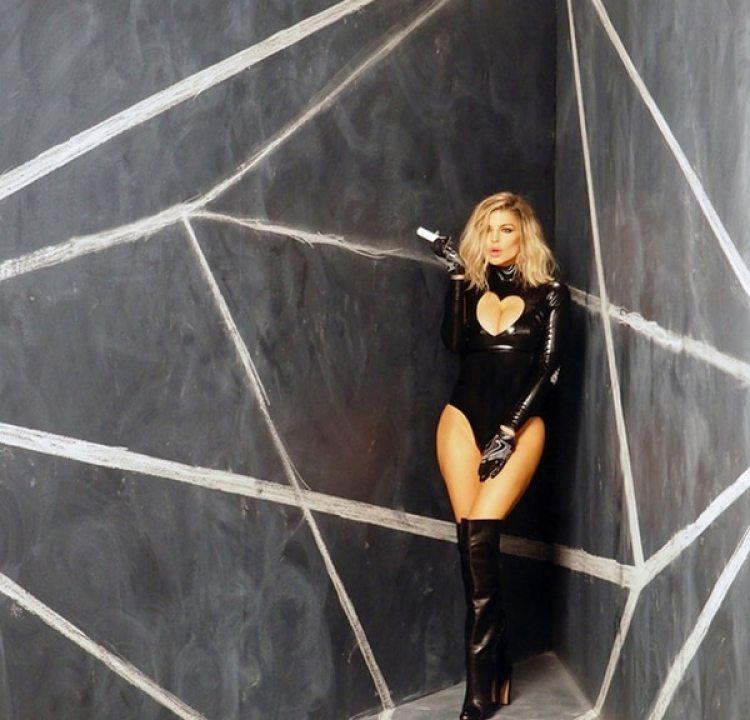 Fergie reveló que durante su adicción tenía alucinaciones. Creía que la CIA, el FBI y SWAT la perseguían y por todos lados veía abejas y conejos