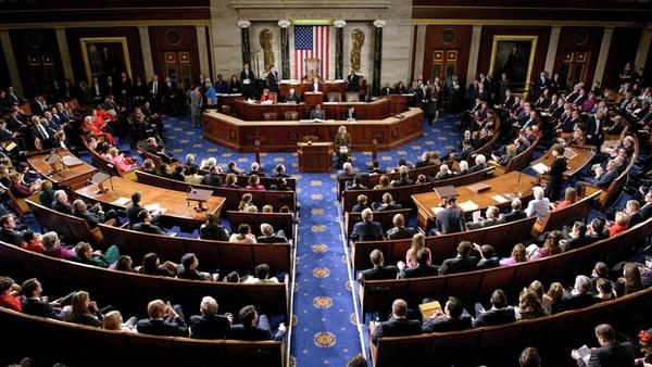Cámara de Representantes federal aprueba medida sobre armas