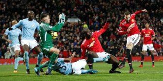 La impresionante doble atajada de Ederson que le valió un clásico al Manchester City ante el United