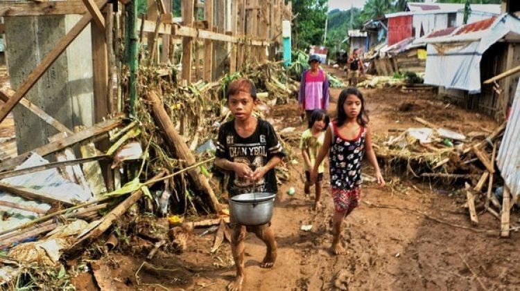 La tormenta golpeó especialmente a la isla de Biliran (AFP)