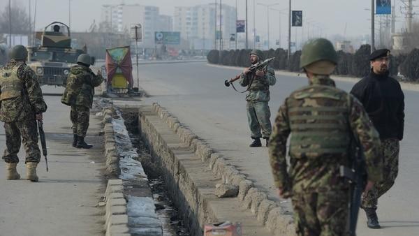 EI se atribuyó ataque contra principal centro de formación militar en Kabul