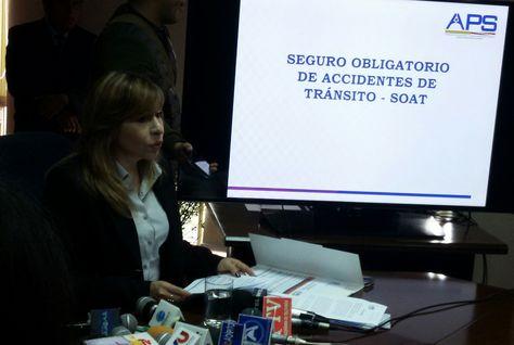 La directora de la Autoridad de Fiscalización y Control de Pensiones y Seguros (APS), Patricia Mirabal, en rueda de prensa. Foto: La Razón