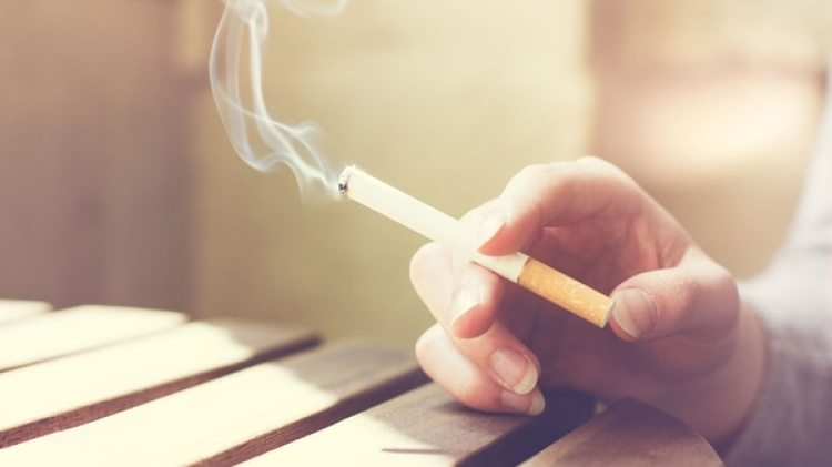Con los tratamientos médicos que se ofrecen hoy, los pacientes pueden vivir hasta un promedio de 80 años, lo mismo que una persona que no suele fumar(Getty Images)
